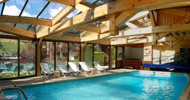 logement morzine avec piscine